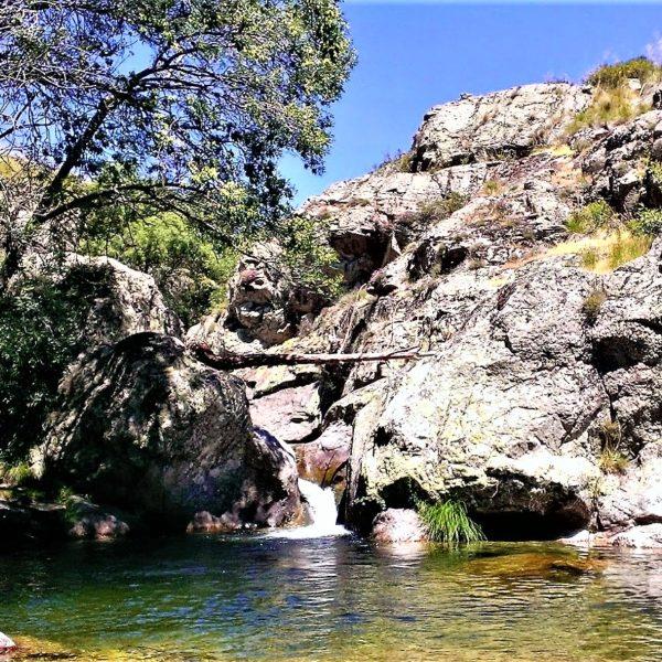 Senderismo por el Río Cambrones