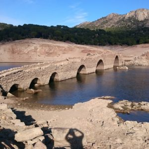 """Senderismo por las playas del Pantano de San Juan con """"El Caminante y su Sombra"""""""