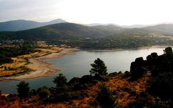 Senderismo por el Embalse de Navacerrada y el Alto del Hilo con El Caminante y su Sombra